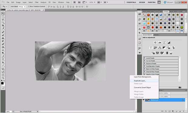 Primeiro passo é colocar a foto em preto em branco (Foto: Reprodução/Isabela Catão)