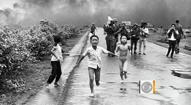Menina corre nua durante fuga da guerra (Foto: Reprodução)