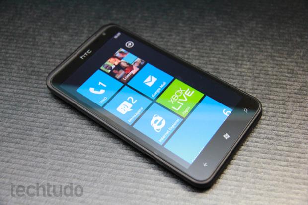 HTC Ultimate: Destaque de honra da redação do TechTudo por trazer o Windows Phone ao Brasil (Foto: Allan Melo/TechTudo)
