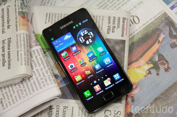 """Samsung Galaxy S II: Eleito o melhor nas categorias """"Smartphone do Ano"""" e """"Revelação do Ano"""" (Foto: Allan Melo/TechTudo)"""