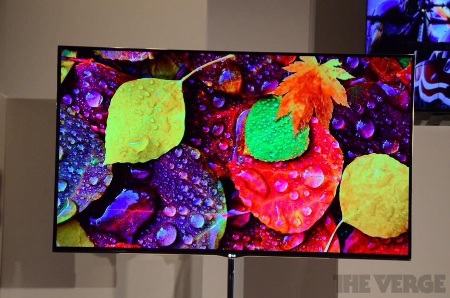 """LG OLED 55"""" na CES 2012 (Foto: Reprodução/The Verge)"""