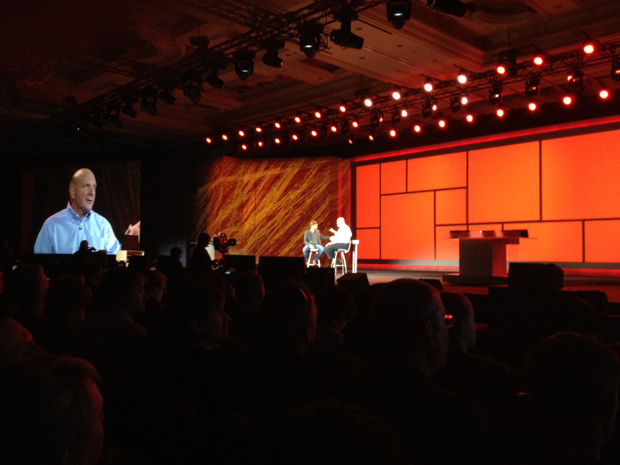 Steve Ballmer e Ryan Seacrest (Foto: Nick Ellis / TechTudo)