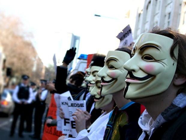 O grupo Anonymous em um de seus protestos