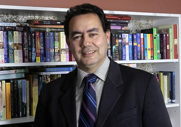 Augusto Cury é um dos autores de autoajuda que mais vende livros no Brasil (Foto: Reprodução)