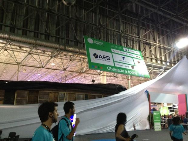 Chuva destrói um dos palcos da Campus Party (Foto: Rafael Silva/Tecnoblog)