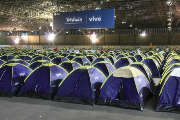 Barracas do camping na Campus Party (Foto: Rodrigo Bastos/TechTudo)