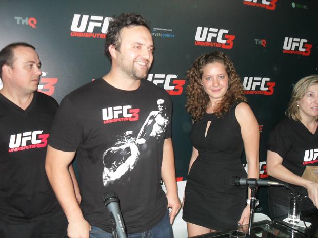 Neven Dravinski e Paola Rodríguez, da THQ (Foto: Flavio Barboni/TechTudo)