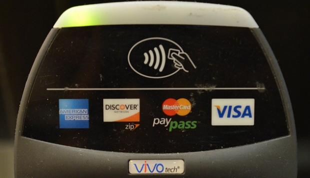 Visa lança sistema de pagamentos remoto pelo celular, que usa o chip NFC (Foto: Reprodução/The Verge)