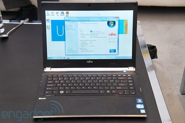 Fujitsu Livebook UH572 (Foto: Reprodução/Engadget)