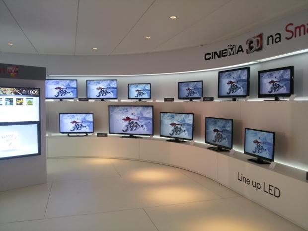 Nova linha de monitores da LG é apresentada na Digital Experience 2012 (Foto: Eduardo Moreira/TechTudo)