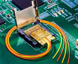 No futuro, portas Thunderbolts terão PCIe 3.0, USB 3.0 e conexão ótica (Foto: Reprodução)