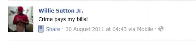 """""""O crime paga as minhas contas"""", diz mensagem publicada no Facebook por Jesse (Foto: Reprodução)"""