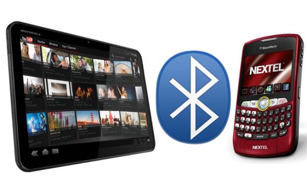 Transferindo arquivos via Bluetooth entre o tablet Motorola Xoom e o BlackBerry 8350i da Nextel