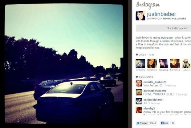 Primeira foto do cantor no Instagram foi no trânsito de Los Angeles (Foto: Reprodução)