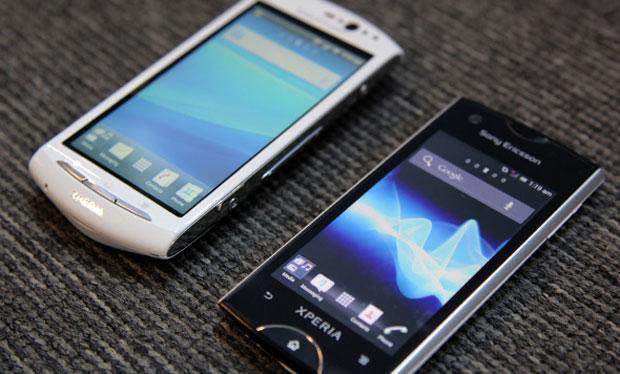 Nas contas da Sony, o Android Gingerbread (esquerda) é mais estável que o Android 4.0 (Foto: Reprodução/Sony)
