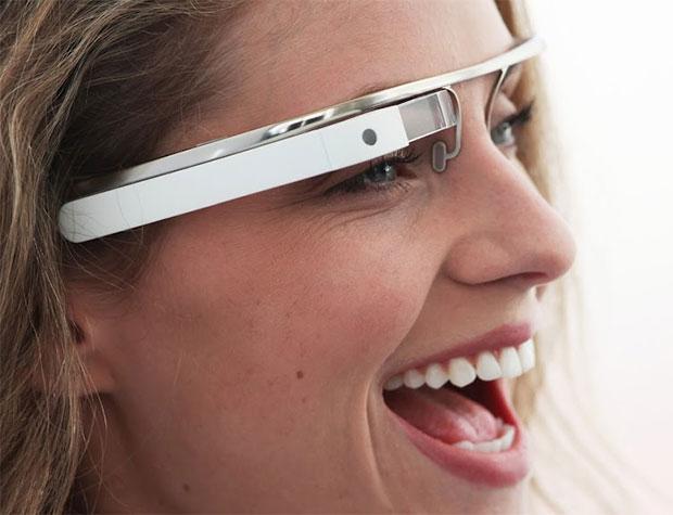 O Project Glass, do Google, pode transformar o modo como interagimos com os celulares (Foto: Divulgação)