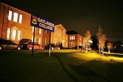 Oatlands College é palco de mais uma polêmica envolvendo bullying na Internet (Foto: Divulgação) (Foto: Oatlands College é palco de mais uma polêmica envolvendo bullying na Internet (Foto: Divulgação))