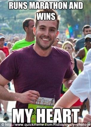 Um dos memes ironizando a foto do maratonista (Foto: Reprodução)