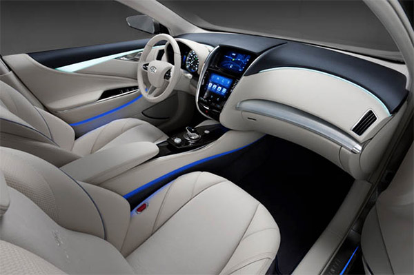 Interior do novo modelo da linha Infiniti é hi-tech (Foto: Divulgação)
