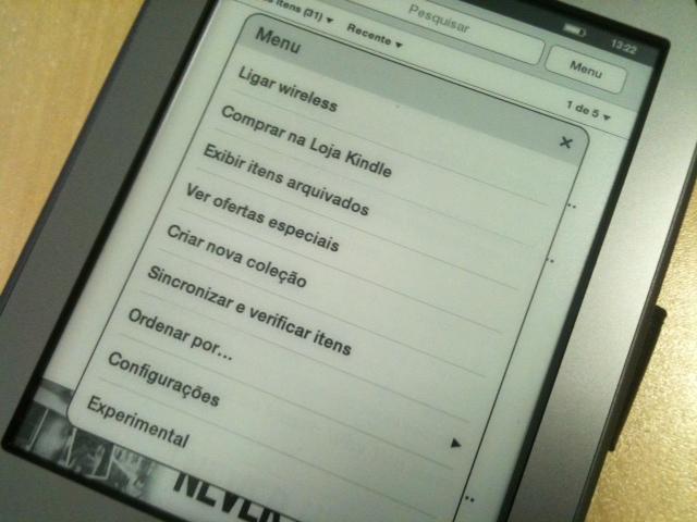 Kindle Touch em português (Foto: Allan Melo/TechTudo)