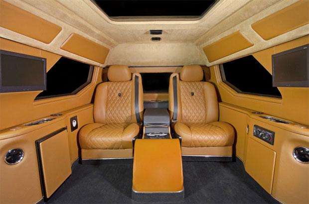 Interior tem espaço e conforto para os seletos proprietários do Knight XV (Foto: Divulgação)
