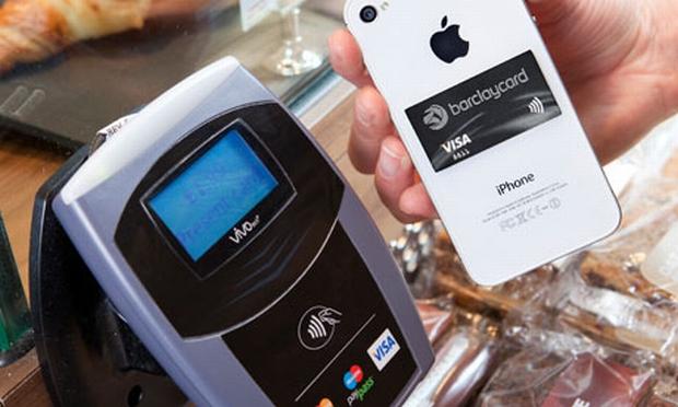 PayTag, um cartão de crédito em forma de adesivo, para qualquer telefone (Foto: Reprodução)
