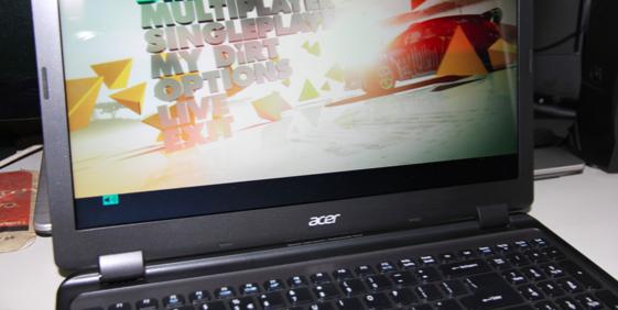 DiRT3 rodando muito bem no Ultrabook M3 (Foto: TechTudo/Rodrigo Bastos)
