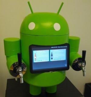 Robô do Android via chopeira inteligente (Foto: Reprodução)