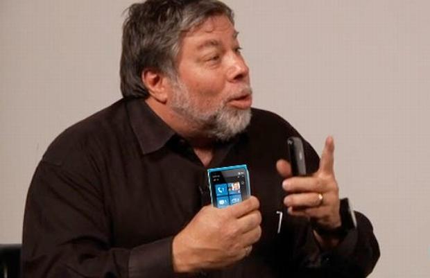 Steve Wozniak faz elogios rasgados ao Nokia Lumia 900 e ao Windows Phone em entrevista (Foto: Reprodução/Engadget)