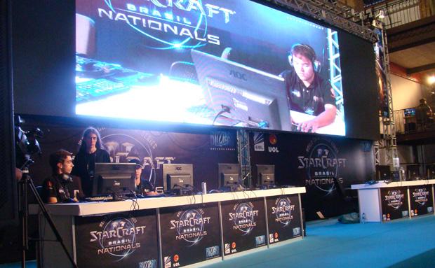 O Battle.net World Championship contou com a participação de equipes profissionais (Foto: Felipe Vinha)