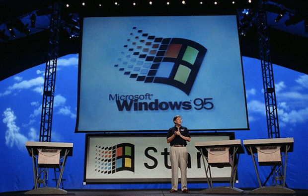 Bill Gates anuncia o lançamento do Windows 95 (Foto: Reprodução / BetaNews.com)