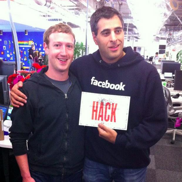 Mark Zuckerberg e Pedram Keyani, gerente de engenharia do Facebook (Foto: Reprodução)