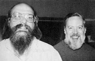 Ken Thompson e Dennis Ritchie (Foto: Reprodução / Wikipedia)