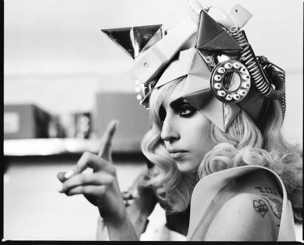 Lady Gaga chega a marca de 25 milhões de seguidores/fãs no Twitter (Foto: Reprodução/Facebook)