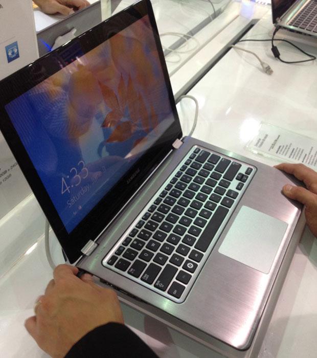 Samsung apresenta ultraboook com tela giratória de 360 graus (Foto: Nick Ellis/TechTudo)