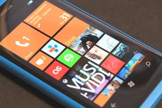 Lumia 800 ainda não recebeu o Windows Phone 7.8 (Foto: TechTudo)