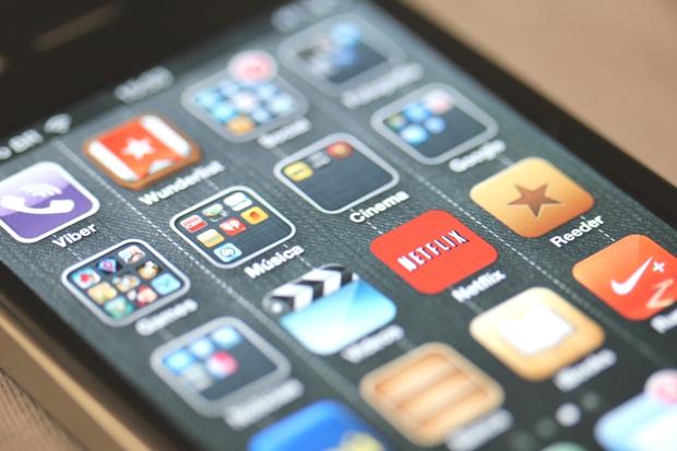 A disponibilidade de aplicativos é um dos requisitos básicos para definir se um celular é ou não um smartphone (Foto: Allan Melo / TechTudo)