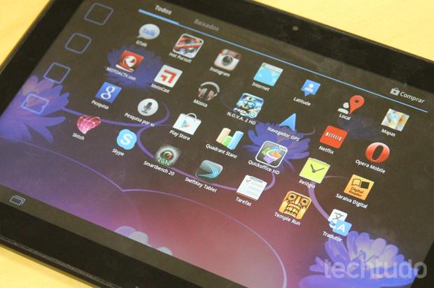 Há vários aplicativos já pré-instalados, como o Fuze Meeting e oQuickoffice HD (Foto: Marlon Câmara / TechTudo)