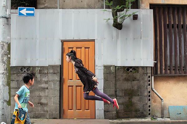 Menina voadora Menino-se-assusta-com-a-fotografa-voando-perto-dele