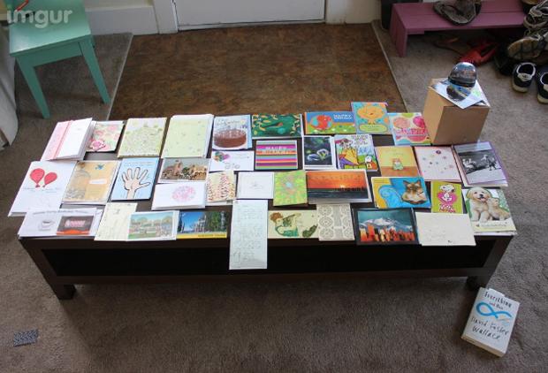 Cartões que Halina recebeu dos usuários do site Reddit (Foto: Reprodução/Daily Dot)