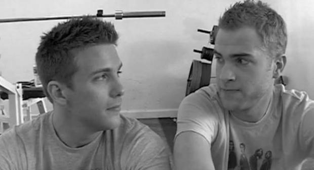 História do casal gay é sucesso incrível no YouTube (Foto: Reprodução)