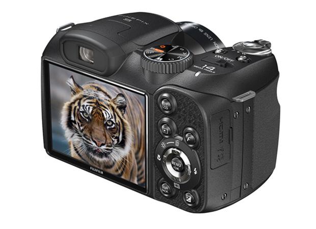 Fujifilm FinePix S2800HD (Foto: Divulgação)