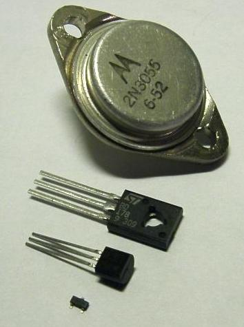 Figura 2: Transistores (da Wikipedia)