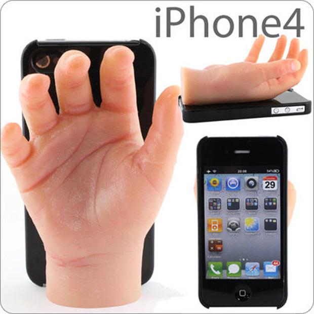 """Capa """"mão"""" para iPhone  (Foto: Reprodução)"""