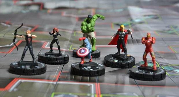 Heroclix é um game de miniaturas com heróis e vilões (Foto: Reprodução/Felipe Vinha)