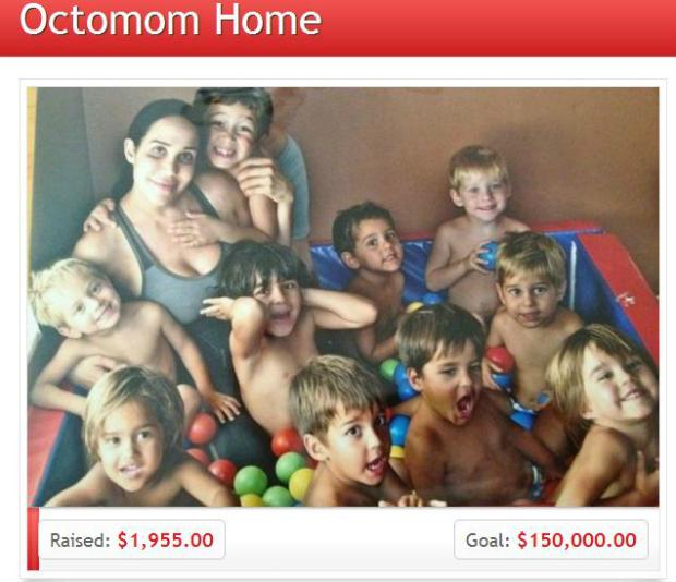 Suleman e seus filhos em uma foto postada no site GoFundMe (Foto: Reprodução)