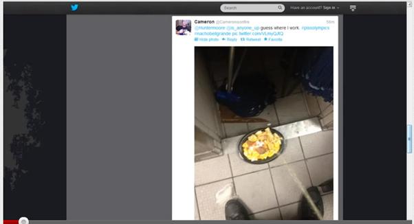 Funcionário de restaurante americano posta foto urinando em lanche e divulga nas redes sociais Fonte Reprodução (Foto: Funcionário de restaurante americano posta foto urinando em lanche e divulga nas redes sociais Fonte Reprodução)