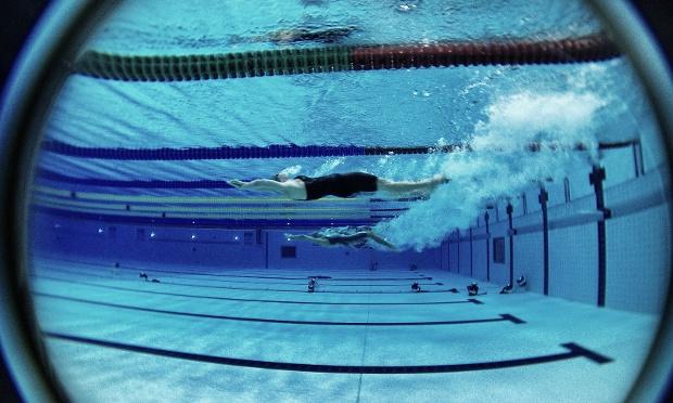 Foto da natação foi feita com um iPhone (Foto: Dan Chung/The Guardian)