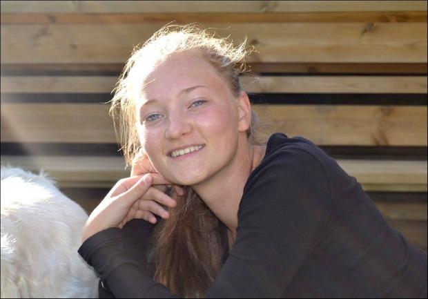 Menina de 16 anos desapareceu quando voltava da casa de amiga (Foto: Reprodução)
