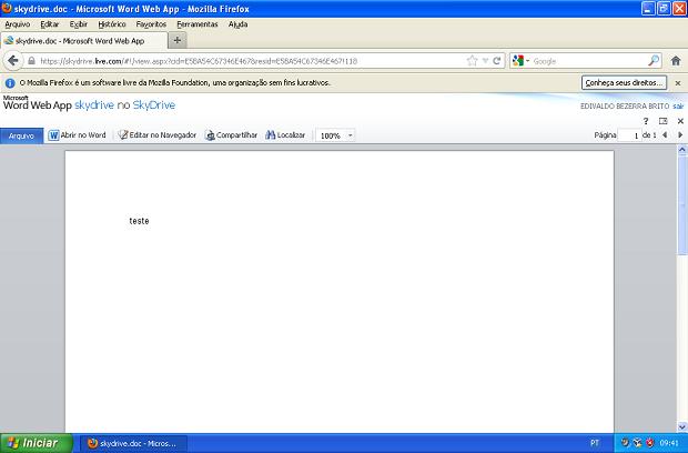 Abrindo um arquivo do Word no SkyDrive no navegador (Foto: Reprodução/Edivaldo Brito)